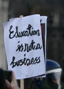 Education is not a business. Crédut Photo : Bob Bob (flickr.com)