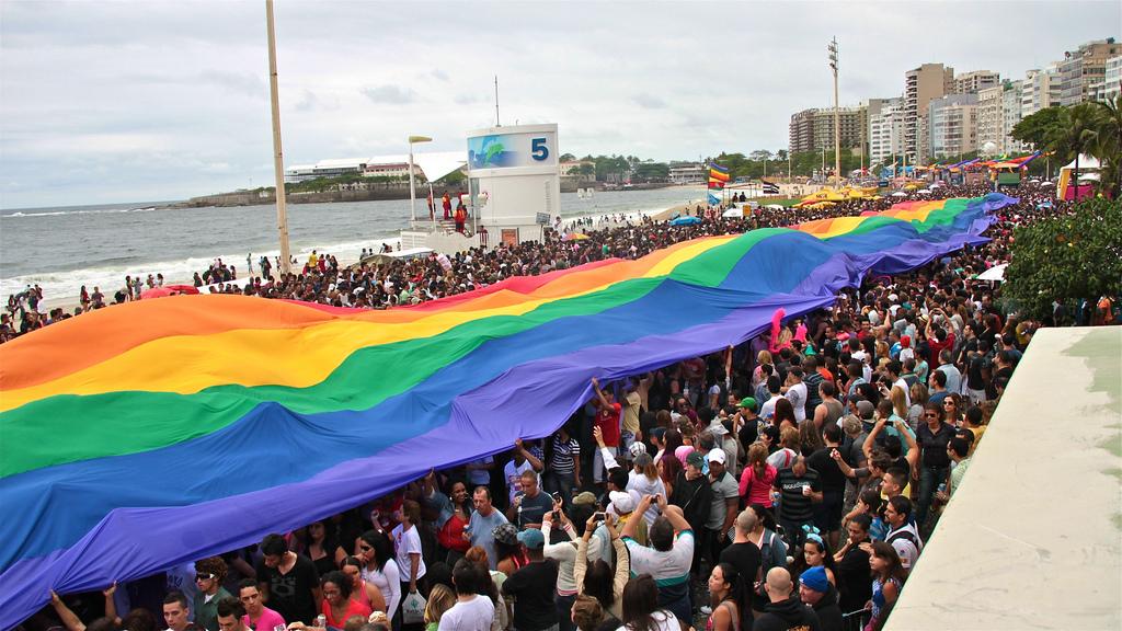 Parade de la LGBT Pride à Rio de Janeiro en 2010. Crédit Photo : Alobos Life.(flickr.com)